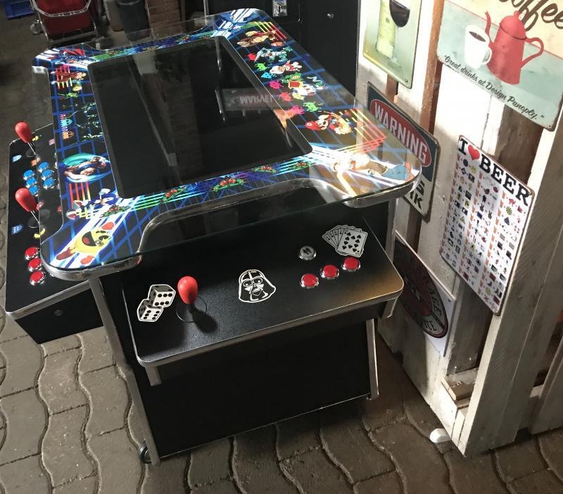 Arcade Gamer Table